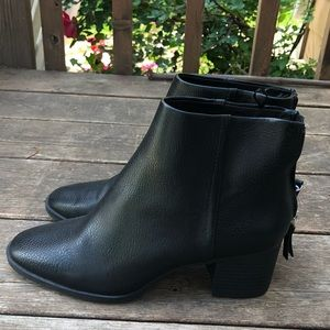 H&M leather ankle boots in black like new